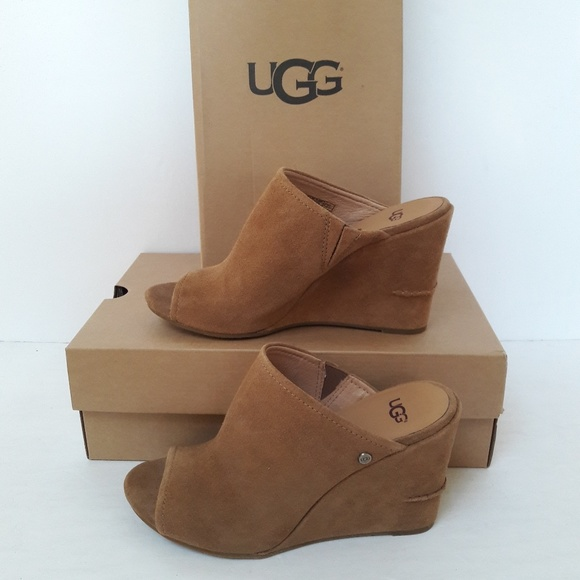 73b71c35e54 New UGG Suede Wedges Size 9.5